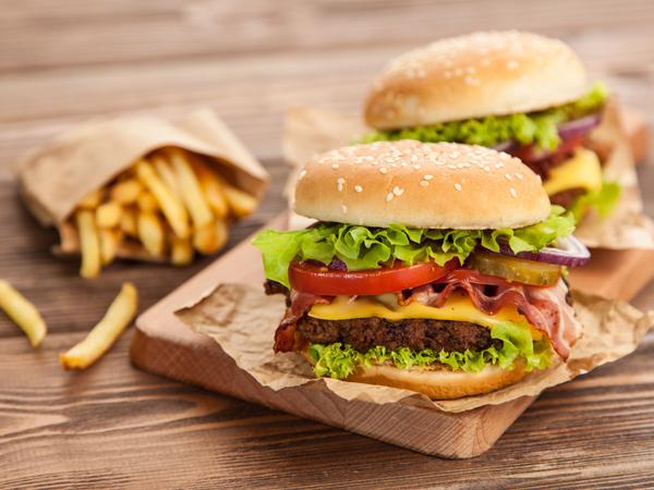 ファストフード ハンバーガー 食べ方 太らない ダイエット